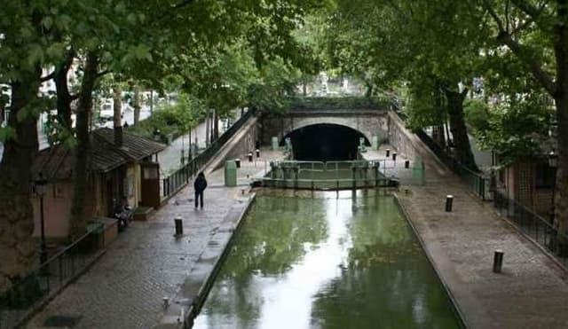Le Canal Un Jour Comme Un Autre